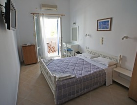 Anemones Hotel