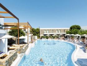 Maisonettes & relaxing Pool